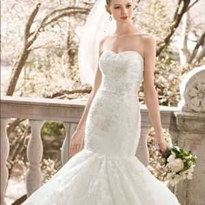 Brand New Oleg Cassini Mermaid Style Wedding Gown